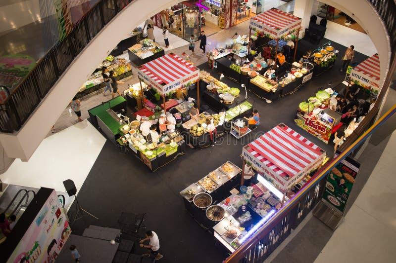 食物在中央节日清迈的促进地区 免版税图库摄影