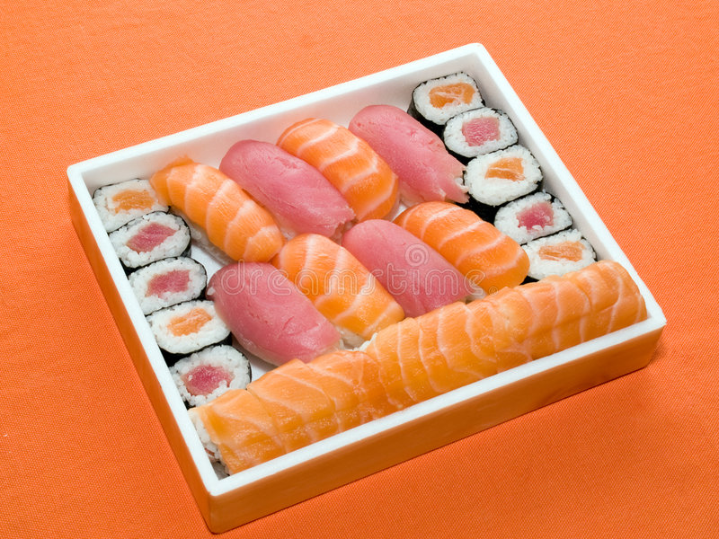 食物日本滚传统的寿司 免版税图库摄影