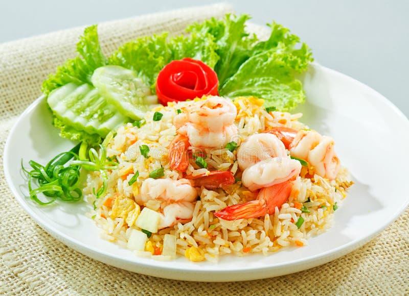 食物泰国油煎的普遍的米的虾 免版税库存照片