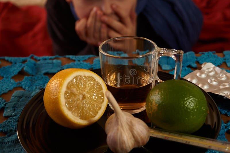 食物的选择反对流感的 图库摄影