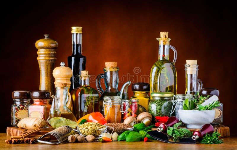 食物调味料香料、草本和油 库存照片