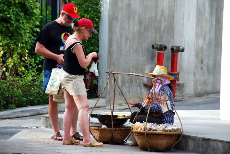 食物patong街道泰国供营商 免版税库存图片