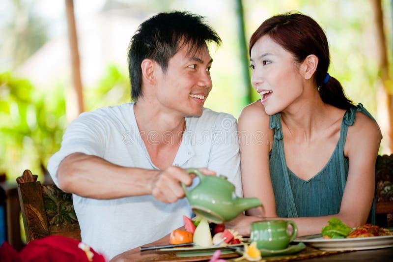 食用的夫妇早餐 免版税库存图片