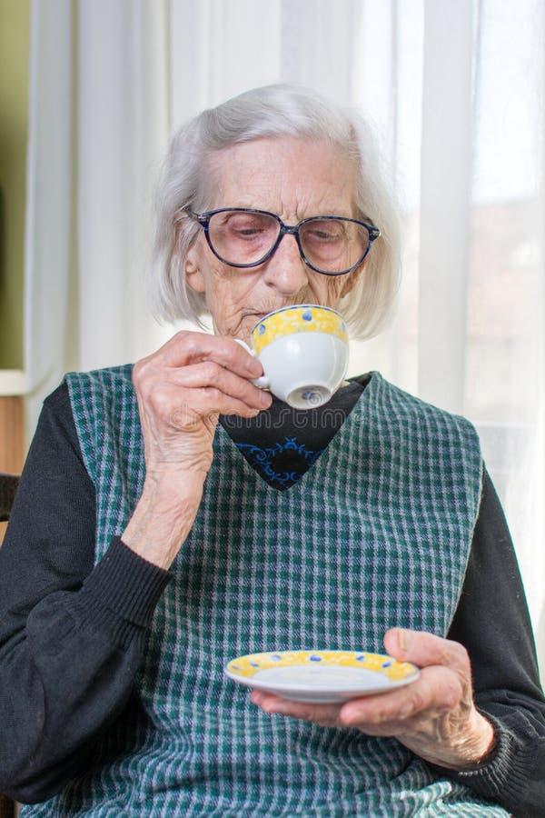 食用的祖母咖啡户内 库存图片