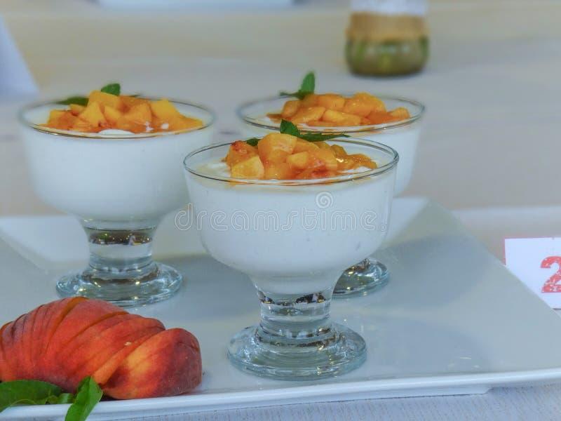 食谱用酸奶干酪 图库摄影