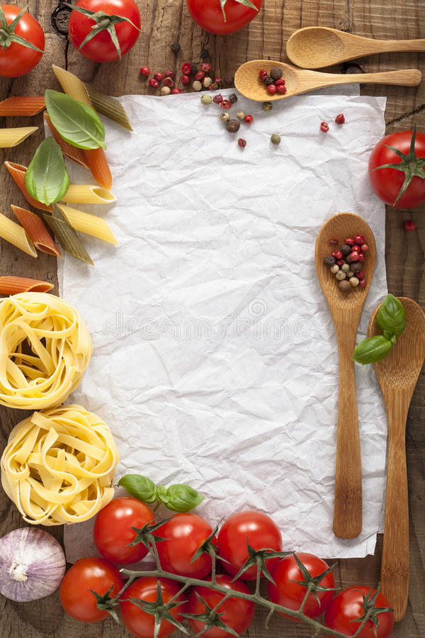 食谱的白纸用蕃茄面团胡椒 免版税图库摄影
