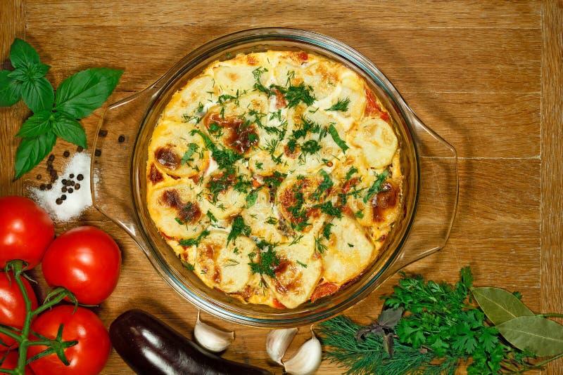 素食主义者Moussaka 传统希腊盘 库存照片