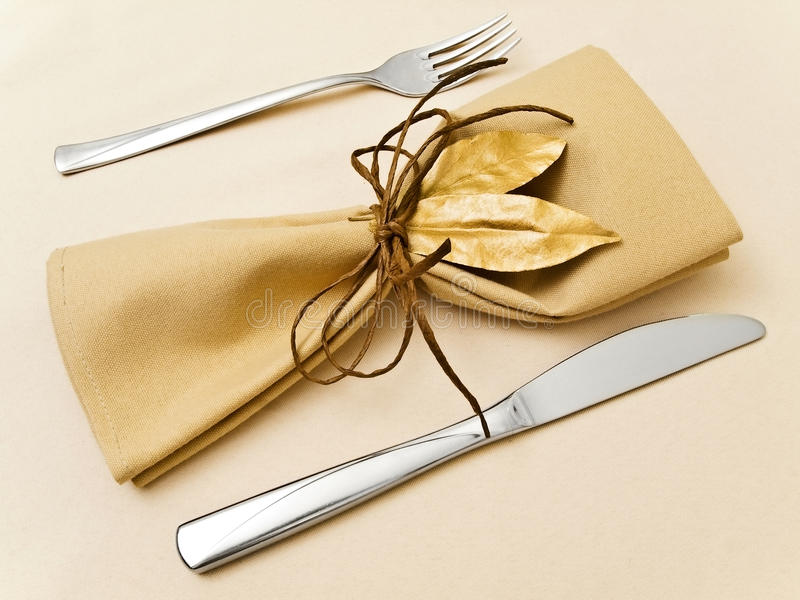 餐巾服务表 免版税图库摄影