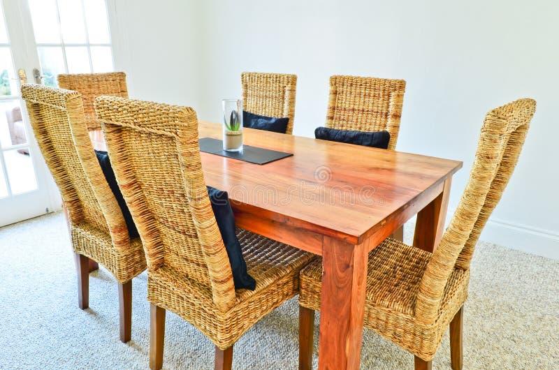 餐桌和椅子 免版税图库摄影