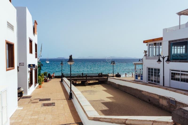 Download 餐馆在兰萨罗特岛 编辑类图片. 图片 包括有 beautifuler, 西班牙, 金丝雀, 餐馆, 幸福 - 62531965