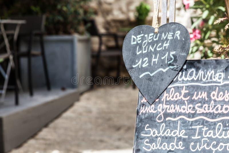 餐馆在普罗旺斯 免版税库存照片