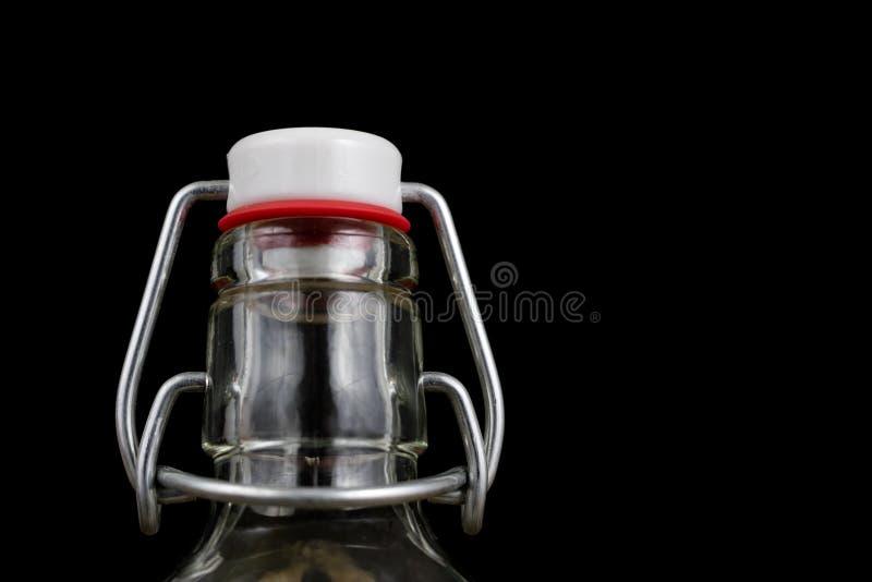 饮料瓶的普遍关闭 不漏气的盖帽闭合值的tra 库存图片