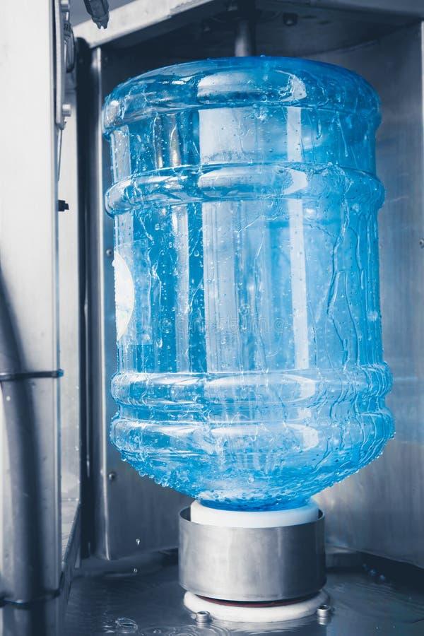 饮料线路生产水 免版税图库摄影