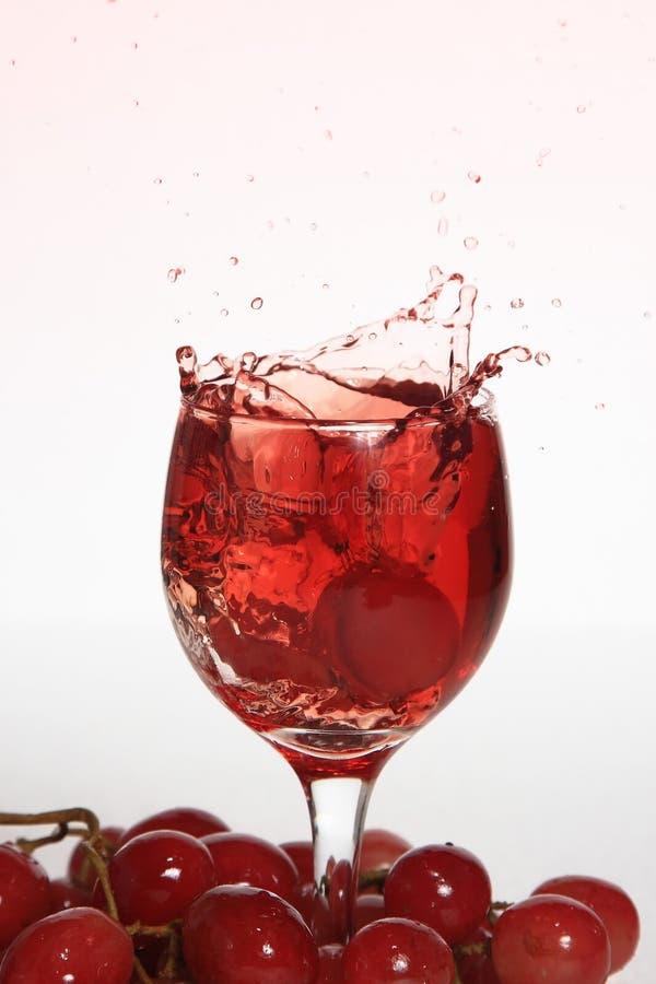 饮料葡萄飞溅 图库摄影