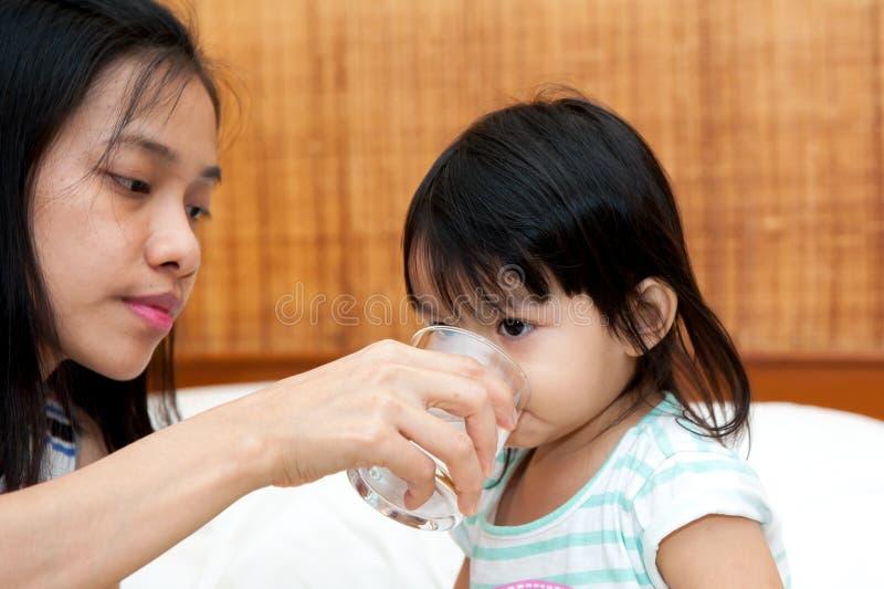 饮用水 免版税库存照片