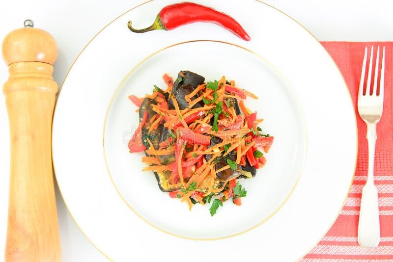 Download 饮食和健康食物:沙拉用茄子 库存图片. 图片 包括有 食物, 干酪, 图象, 摄影, 果子, 节食, 特写镜头 - 62530733