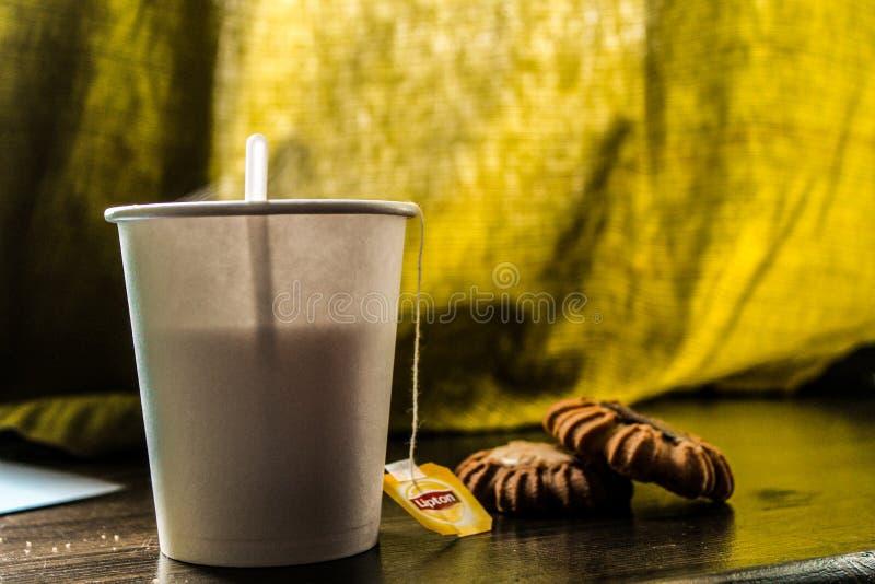 饼干和茶 免版税图库摄影