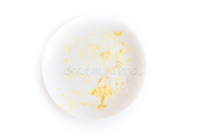 馄饨板材的遗骸与叉子的 在面团意粉以后的白色肮脏的盘用肉和西红柿酱 调味酱 图库摄影