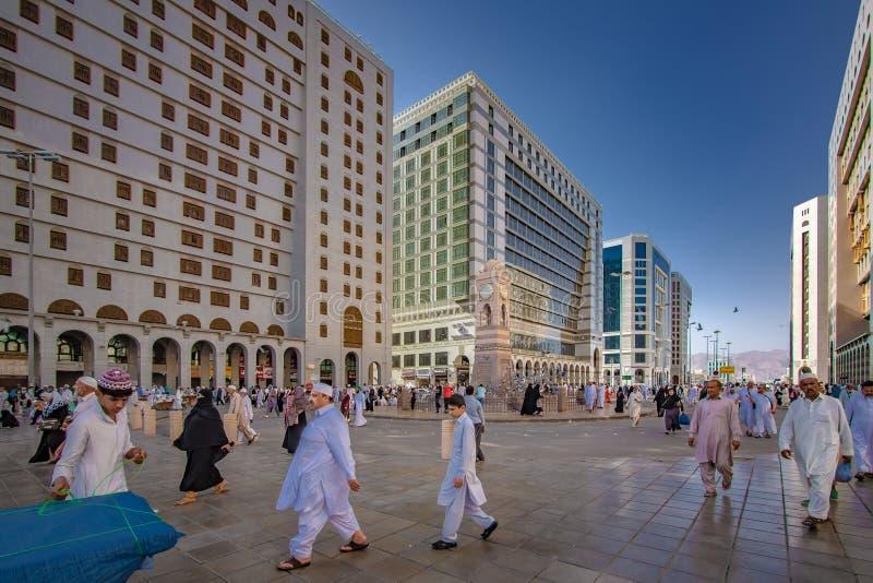 香客人群在Al哈莱姆清真寺 免版税库存照片
