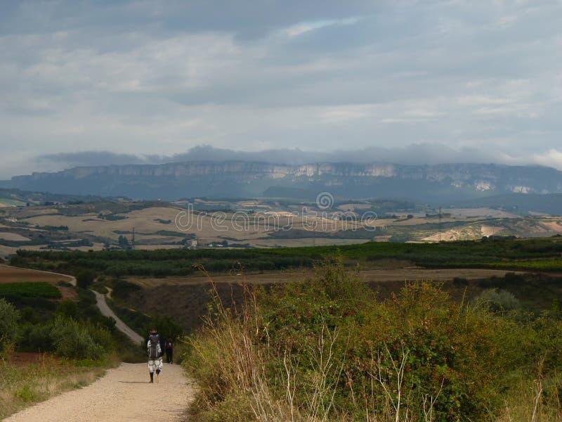 香客圣詹姆斯 走在Camino de圣地亚哥的人 库存照片