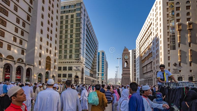香客在Al哈莱姆清真寺,麦加,沙特阿拉伯人群  库存照片