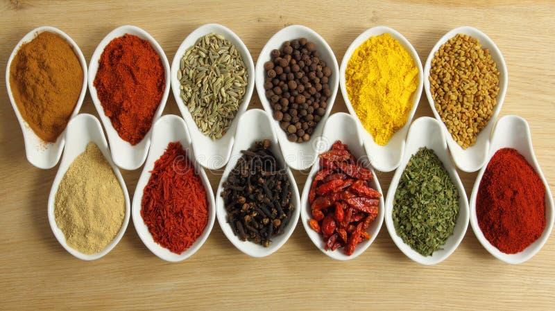 Download 香料 库存照片. 图片 包括有 季节, 颜色, 充满活力, allstate, 烹调, 调味料, 异乎寻常 - 22352020