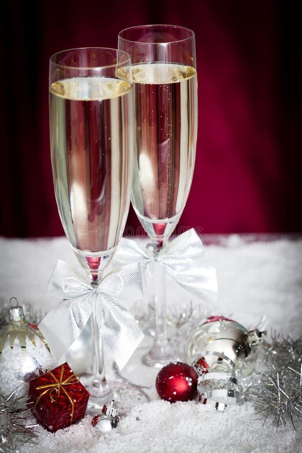 香槟圣诞节装饰玻璃 图库摄影