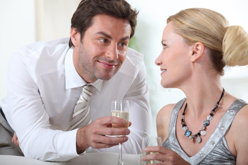 香槟夫妇喝 库存图片