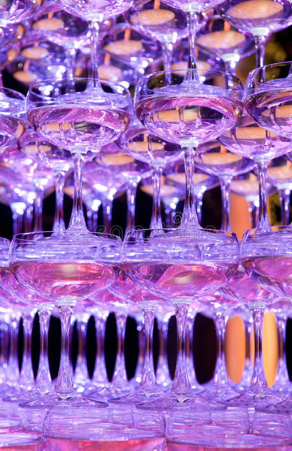 香槟玻璃金字塔 图库摄影