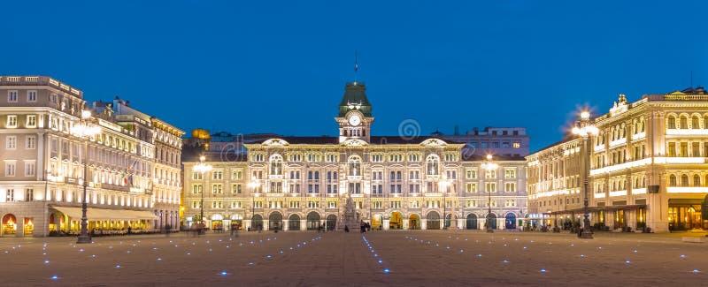 香港大会堂, Palazzo del Municipio的里雅斯特,意大利。 库存照片