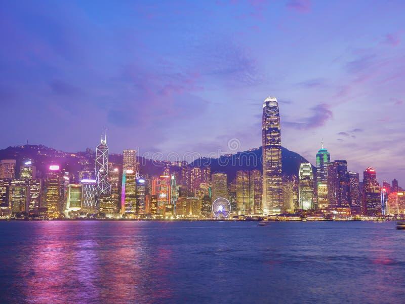 香港市地平线暮色时间的,从维多利亚H的看法 免版税库存照片