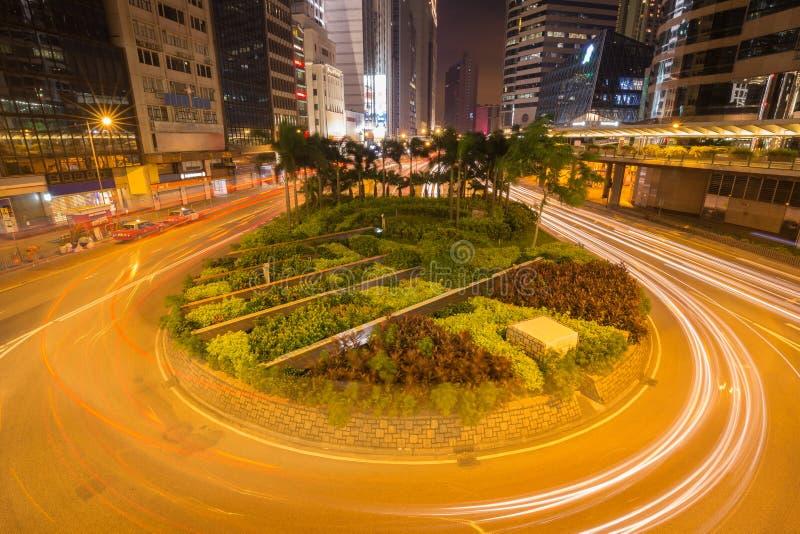 香港市& x28; central& x29;并且街道交通在晚上 库存图片