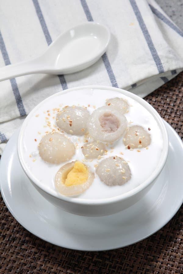 香港样式甜汤点心 库存照片