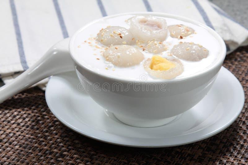 香港样式甜汤点心 库存图片