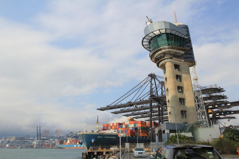 Download 香港港 编辑类图片. 图片 包括有 现代, 海岛, 墙壁, 通道, 容器, 运费, 巨型, 货物, 运输 - 53616775