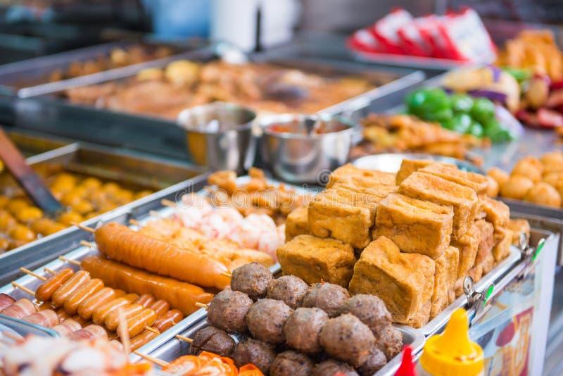 香港, 2016年9月24日: :香港在食物s的街道食物 免版税库存图片