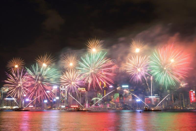 香港:农历新年烟花显示2016年 库存照片