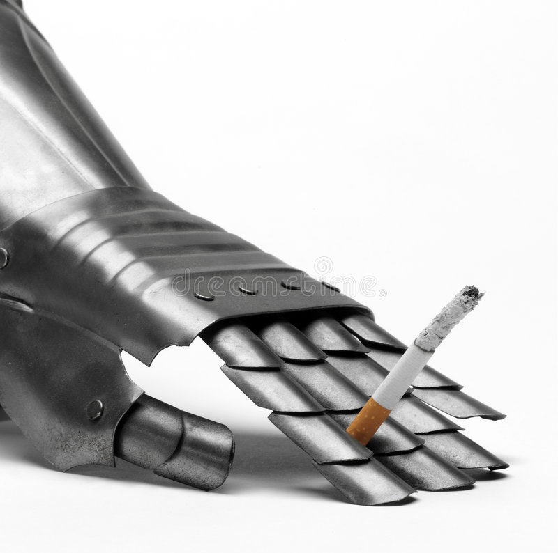 香烟手套骑士s抽烟的丝毫 免版税库存图片