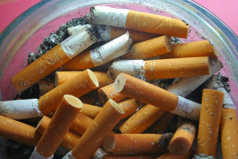 Download 香烟 库存图片. 图片 包括有 危害, 污染物, 气味, 风险, 癌症, 健康, 有臭味, 危险, 浪费, 含毒物 - 186151