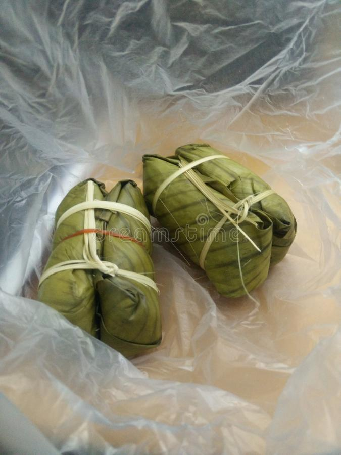 香蕉用黏米饭(Khao汤姆席子或Khao汤姆垫) 库存图片