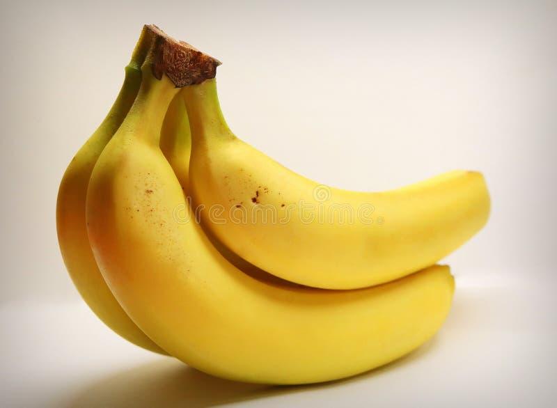 香蕉 成熟的香蕉 明亮地黄色香蕉 热带的果子 点心 有用的鲜美点心 d 免版税库存照片