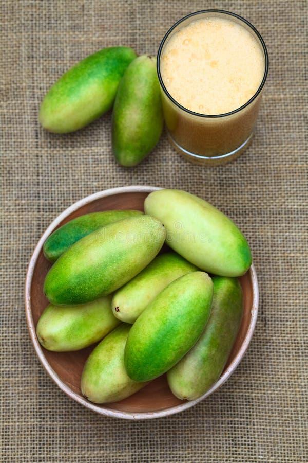香蕉Passionfruit (拉特 西番莲Tripartita) 库存图片