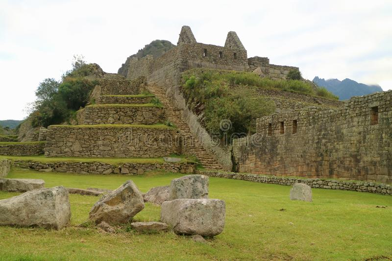 马丘比丘,印加人在清早,考古学站点在库斯科地区,乌鲁班巴省,秘鲁的著名古老城堡 免版税库存图片
