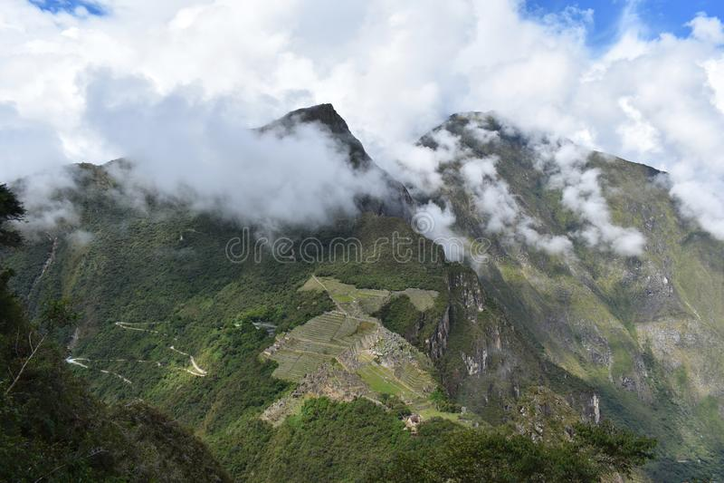 马丘比丘,秘鲁鸟瞰图  免版税库存照片
