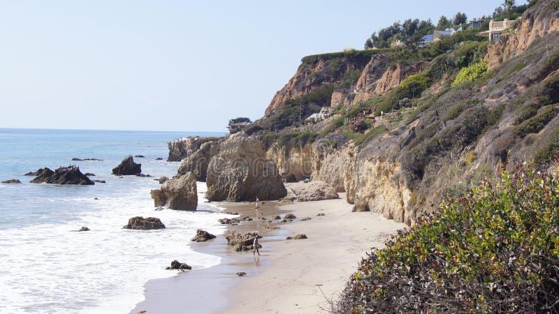 马利布,美国- 2014年10月9日:美丽和浪漫El斗牛士国家海滩在南加州 免版税图库摄影