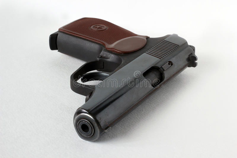 马卡罗夫手枪 在一个空白背景 免版税库存照片