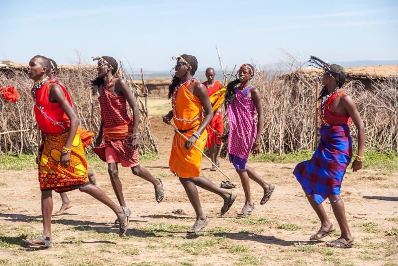 马塞语玛拉,肯尼亚,非洲2月12日马塞人战士 库存照片
