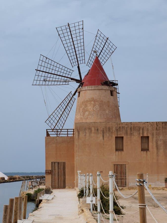 马尔萨拉,西西里岛,意大利盐厂  免版税库存图片