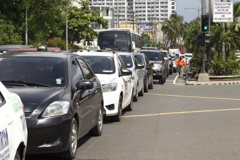 马尼拉,菲律宾- 2016年6月1日:在交通困住的汽车在马尼拉 免版税库存照片