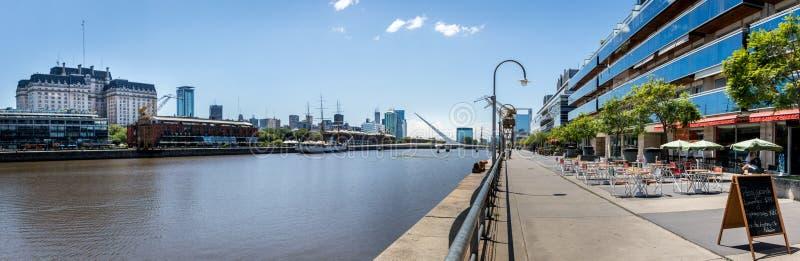 马德罗港-布宜诺斯艾利斯,阿根廷全景  免版税库存照片